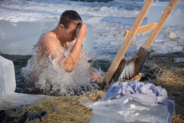 Крещенская вода 18 и 19 января: какая разница между ними?